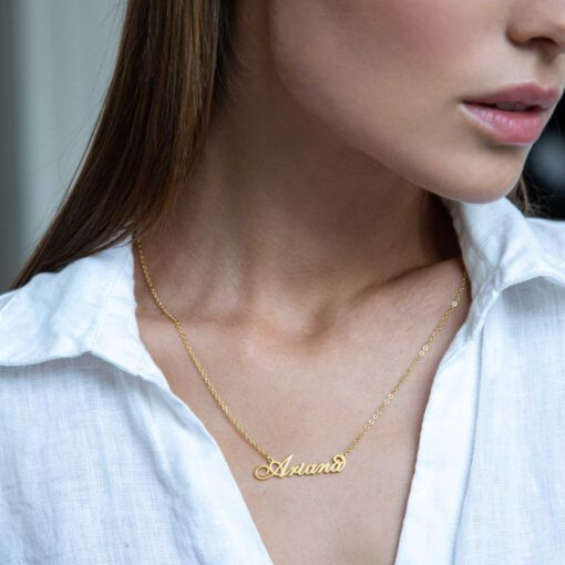 Carrie Name Necklace Gold