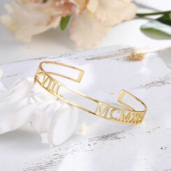 Gold Roman Numeral Bracelet